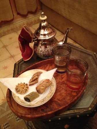Riad Jonan: Mint tea and pastries upon arrival