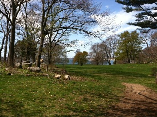 Manchester-by-the-Sea, MA: Entrance to the Great Lawn