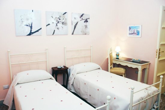 Sichelgaita Bed and Breakfast: Camera Tramonto: doppia/ twin room