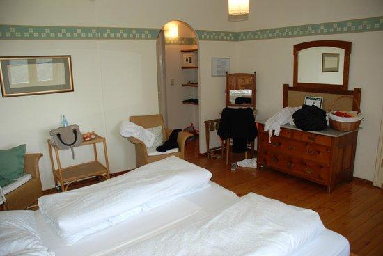 Parkhotel Holzner: Zimmer: Zeit zum Aufräumen ;-)