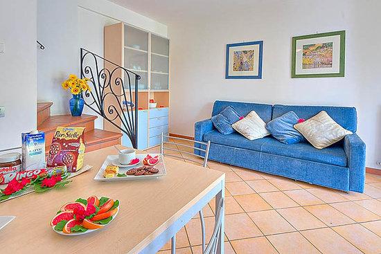 Residence Il Giardini Del Conero Ferienwohnungen: Soggiorno - Hall
