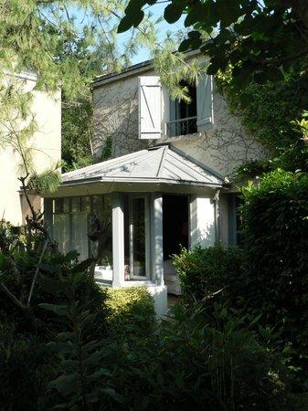 Le Jardin de Retz : baie vitrée de la chambre du rez de chaussée