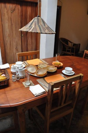 Kandy Cottage : Breakfast is served!
