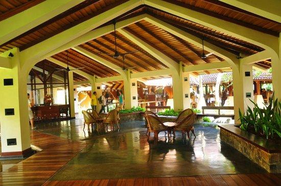 The Palms Hotel: Lobby