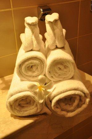 The Palms Hotel: Bathroom