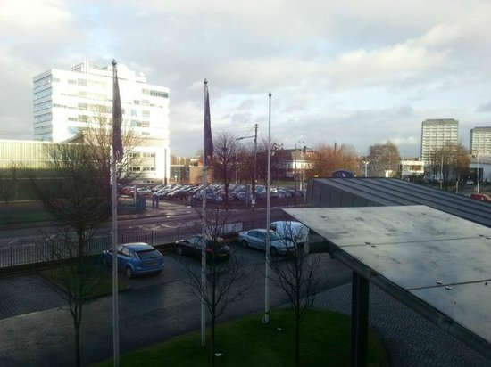Premier Inn Glasgow City Centre South Hotel: Our view, our toddler loved it