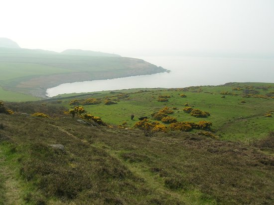 Drummore, UK : The headland walk from Helensdale.