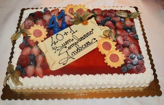 Gelateria Igloo: torta allo yougurt di fragole