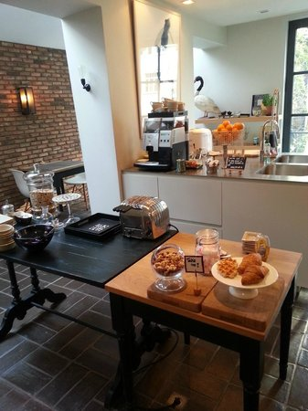 Huis Koning: Frühstücksraum und Küche