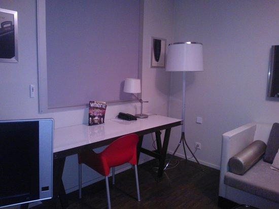 le petit bureau - Picture of Quality Only Suites CDG Airport ...