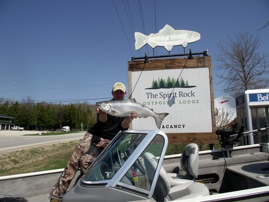 The Spirit Rock Outpost & Lodge: Great Salmon Fishing!!!