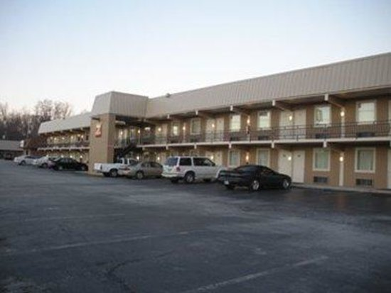 Inn Of Lenoir Motor Lodge : Other Hotel Services/Amenities