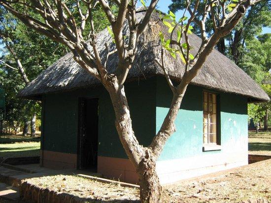 Victoria Falls Rest Camp & Lodges : chalet