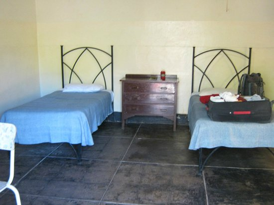 Victoria Falls Rest Camp & Lodges: Basic room