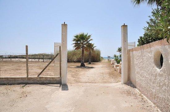 Camping Residence Capo Passero: ingresso spiaggia