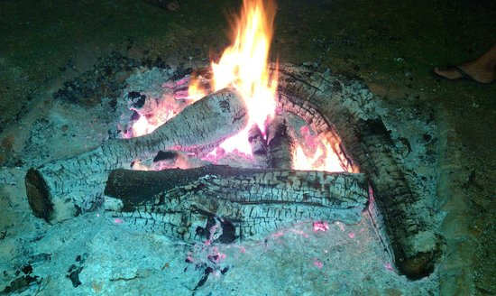 Red Hill Nature Resort: The bonfire