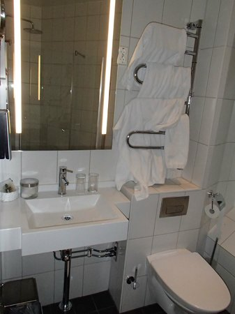 Elite Hotel Adlon: Salle de bains