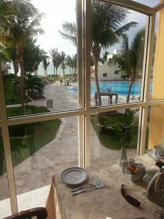 Secrets Capri Riviera Cancun : Vue du buffet le matin