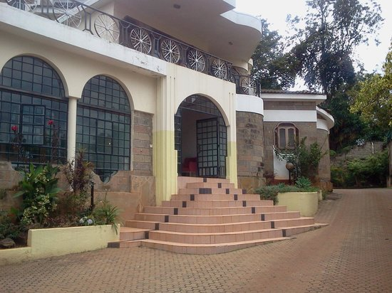 Lavington Hill House: front of the guesthouse