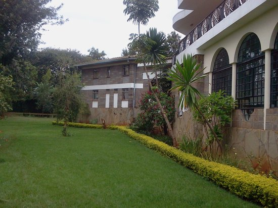 Lavington Hill House: side view