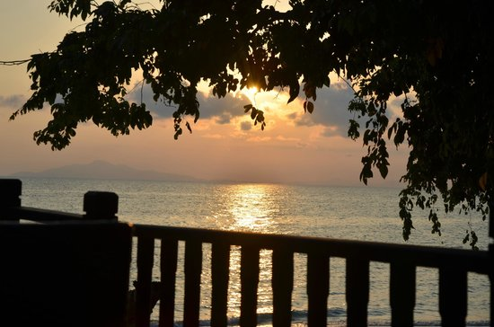 Holiday Inn Resort Phi Phi Island: sunrise from our room
