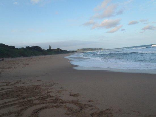 Mantis & Moon Backpackers Lodge: Umzumbe beach