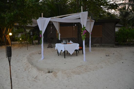 Holiday Inn Resort Phi Phi Island: Optional extra for dining - romantic beach dinner