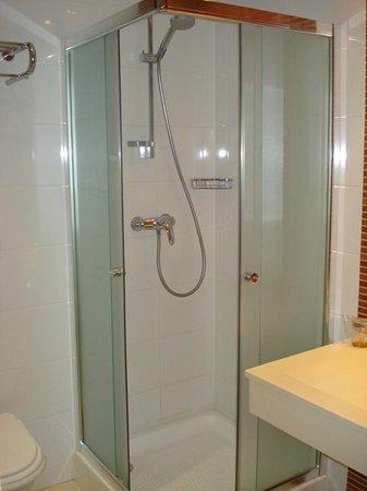 RIN Central Hotel Bucharest : Bathroom