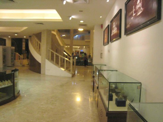 Kalakriti Cultural & Convention Center : Part of the foyer to the theatre