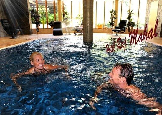 Raj Mahal Hotel: Schwimmbad