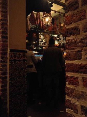 La Bodega: uitzicht op de bar