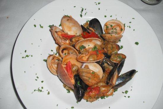 Conte Cavour Ristorante : Gnocchi all' ortica con cozze e vongole