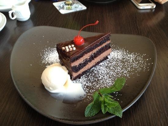 IRISH PUB : chocolate cake