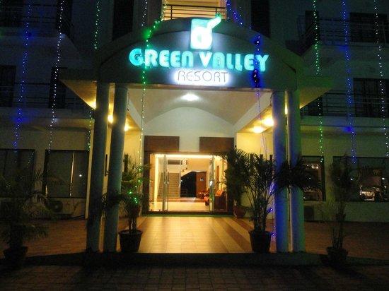 Green Valley Resort: Entrance