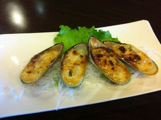 Satsuma Restaurant: grilled mussels
