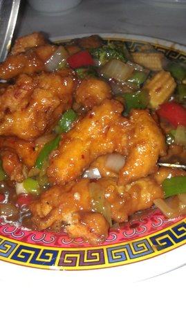 Gen-Hoe Chop Suey: empress chicken