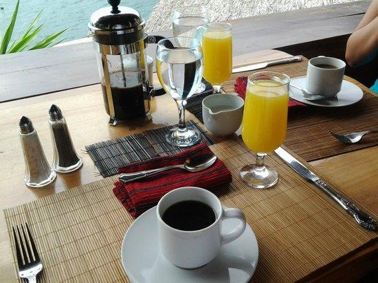 Laguna Lodge Eco-Resort & Nature Reserve: Hora del desayuno