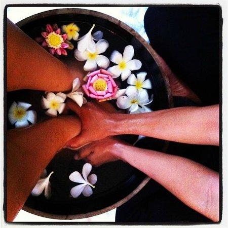 Frangipani Spa: before treatment feet wash/massage
