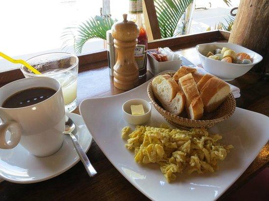 Rikitikitavi : Breakfast