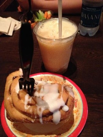 Gaston's Tavern: lefou's brew and a warm cinnamon bun