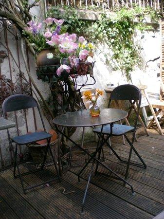 Zuivere Koffie: tavolini