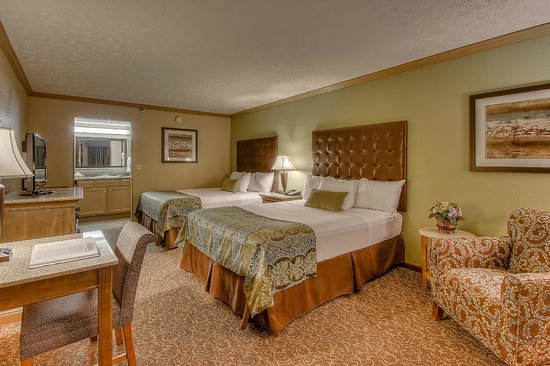Willow Brook Lodge: Deluxe Room with 2 Queen Beds