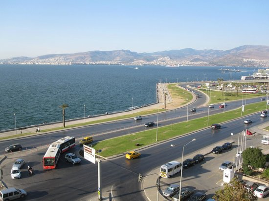 Best Western Plus Hotel Konak: View of Izmir from hotel room