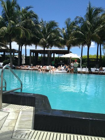 W South Beach: Pool