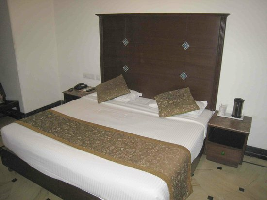 Nahargarh Haveli: Our bed