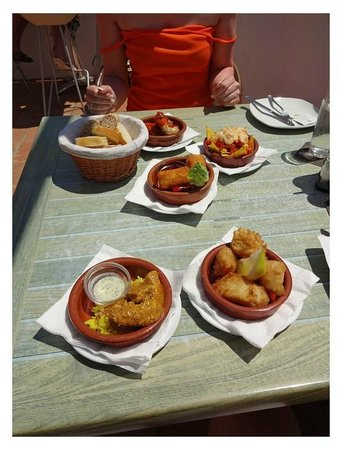 The Lounge at Pinoccios : A selection of the delicious tapas.