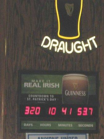 Black Rose Pub: Saint Patrick's count down clock
