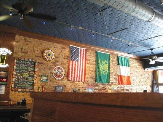 Black Rose Pub : Flags