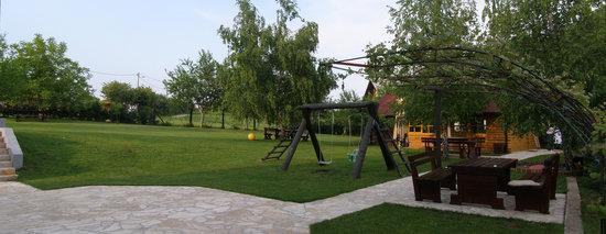 House Hodak: garden