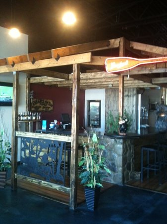 Cool River Pizza: The Bar